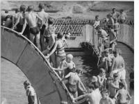 Bundesarchiv Bild 183-A0817-0010-002, Berlin, Monbijou-Platz, Planschbecken