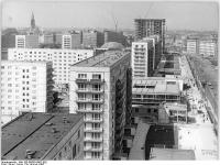 Bundesarchiv Bild 183-B0850-0002-002, Berlin, Karl-Marx-Allee, Neubauten, Wohnblocks