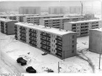 Bundesarchiv Bild 183-B1221-0008-001, Berlin, Hans-Loch-Strasse, Wohnblocks, Winter