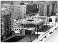 Bundesarchiv_Bild_183-C0422-0005-002,_Berlin,_Karl-Marx-Allee,_Restaurant_Moskau