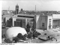Bundesarchiv Bild 183-C0901-0018-002, Berlin, Karl-Marx-Allee, Druckluft-Pavillion