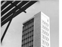 Bundesarchiv_Bild_183-D0723-0003-007,_Neubrandenburg,_Haus_für_Kultur_und_Bildung