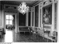 Bundesarchiv_Bild_183-E0108-0008-022,_Weimar,_Römisches_Haus,_Blaues_Zimmer