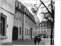 Bundesarchiv_Bild_183-E0108-0008-027,_Weimar,_Frauenplatz,_Goethe-Museum