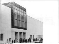 Bundesarchiv Bild 183-F0307-0204-002, Berlin, Komische Oper, Außenansicht