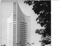 Bundesarchiv_Bild_183-F0613-0011,_Leipzig,_Universitätshochaus