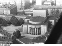 Bundesarchiv Bild 183-G0806-0301-003, Berlin, Volksbühne