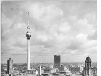 Bundesarchiv_Bild_183-G1001-0037-001,_Berlin,_Fernsehturm,_Bau