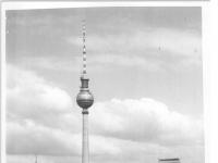 Bundesarchiv_Bild_183-H0905-0014-001,_Berlin,_Fernsehturm,_Bau