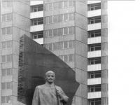 Bundesarchiv Bild 183-J0416-0035-001, Berlin, Denkmal Lenin am Leninplatz