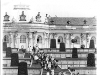 Bundesarchiv_Bild_183-J0721-0301-002,_Potsdam,_Schloss_Sanssouci