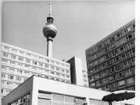 Bundesarchiv_Bild_183-K0707-0001-006,_Berlin,_Fernsehturm,_Kindergarten,_Kinderkrippe