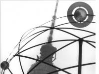 Bundesarchiv Bild 183-K0905-0001, Berlin, Weltzeituhr am Alexanderplatz