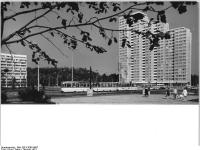 Bundesarchiv Bild 183-K1005-0007, Berlin, Leninplatz, Hochhäuser