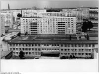Bundesarchiv Bild 183-K1120-0310, Berlin, Neubauten, Schulgebäude