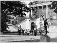 Bundesarchiv_Bild_183-L0830-0312,_Berlin,_Nationalgalerie,_Statue