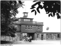 Bundesarchiv Bild 183-L1114-0300, Gedenkstätte Buchenwald, Eingangstor