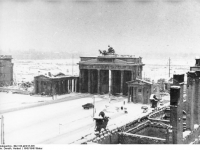 Bundesarchiv_Bild_183-M1015-335,_Berlin,_Brandenburger_Tor