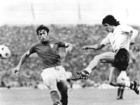 Bundesarchiv_Bild_183-N0619-0034,_Fußball-WM,_Argentinien_-_Italien_1-1