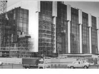 Bundesarchiv_Bild_183-P0402-003,_Berlin,_Palast_der_Republik,_Bau