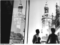 Bundesarchiv_Bild_183-P1026-0004,_Leipzig,__Altes_Rathaus_