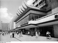 Bundesarchiv Bild 183-R0210-0307, Berlin,  Haus des Reisens