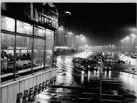 Bundesarchiv Bild 183-R1002-0003, Berlin, Karl-Liebknecht-Straße, Nacht