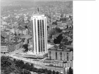 Bundesarchiv_Bild_183-S0924-0010,_Leipzig,_Wohnhochhaus