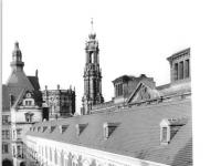 Bundesarchiv_Bild_183-T0304-0013,_Dresden,_Schloss,_Stallhof,_Langer_Gang