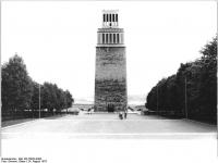 Bundesarchiv Bild 183-T0824-0300, Gedenkstätte Buchenwald, Mahnmal