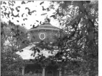 Bundesarchiv_Bild_183-T1104-0007,_Potsdam,_Park_Sanssouci,_Chinesisches_Teehaus