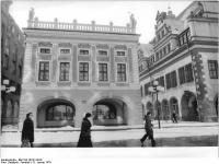 Bundesarchiv_Bild_183-U0131-0016,_Leipzig,__Alte_Börse_,__Altes_Rathaus_,_Winter