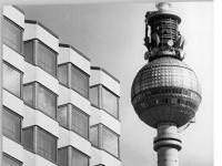 Bundesarchiv_Bild_183-W1003-0030,_Berlin,_Fernsehturm