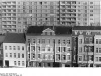 Bundesarchiv_Bild_183-Z0126-023,_Berlin,_Straße_der_Befreiung