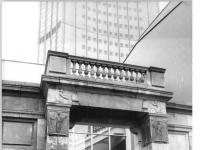 Bundesarchiv_Bild_183-Z0314-011,_Leipzig,_Universität,_Historisches_Eingangsportal