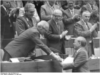 Berlin, X. SED-Parteitag, Honecker, Nguyen Duy Trinh (13 April 1981)