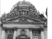 Bundesarchiv_Bild_183-Z0618-006,_Berlin,_Dom,_Eingangsportal