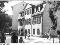 Bundesarchiv_Bild_183-Z0720-310,_Weimar,_Schillerstraße,_Schillerhaus