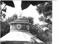 Bundesarchiv_Bild_183-Z0810-312,_Potsdam,_Park_Sanssouci,_Chinesisches_Teehaus