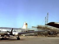 Bundesarchiv_DH_2_Bild-F-04180,_Berlin-Schönefeld,_Flughafenbau,_Il14