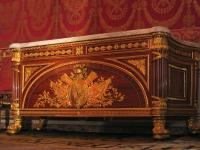 Chateau_Fontainebleau-chest-001