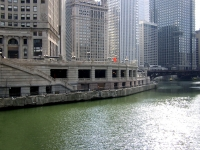 Chicago River from Michigan Avenue (closeup)