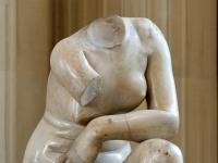 Crouching Aphrodite Louvre Ma5