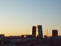 Puerta de Europa, Obelisco de la Caja, Madrid