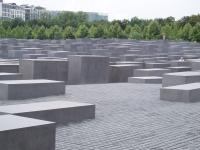 Denkmal fuer die ermordeten Juden Europas in Berlin 1