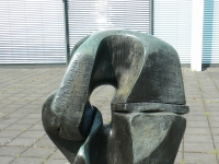 English: sculpture Locking Piece (1962) by Henry Moore in Duisburg/Germany