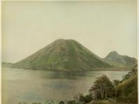 Farsari,_Adolfo_(1841-1898)_-_B11_-_The_Fuji_of_Haruna