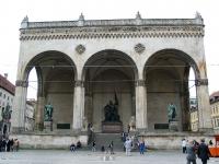 Die Feldherrnhalle am Odeonsplatz in München.