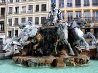 Fontaine_de_Bartholdi_Lyon_250709_04