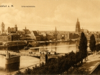 Frankfurt_Am_Main-Roemer-Untermainbruecke